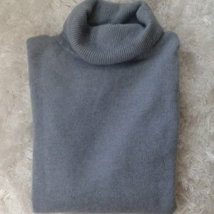 Premise chasmere blue sweater size large
